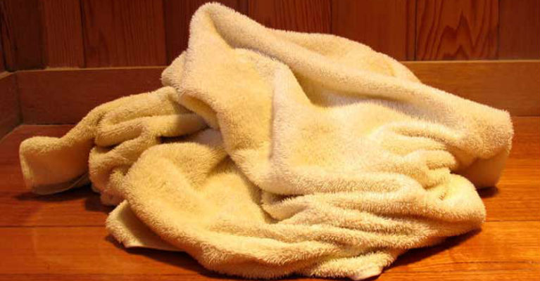 Experts Are Recommending Washing Bath Towels Regularly