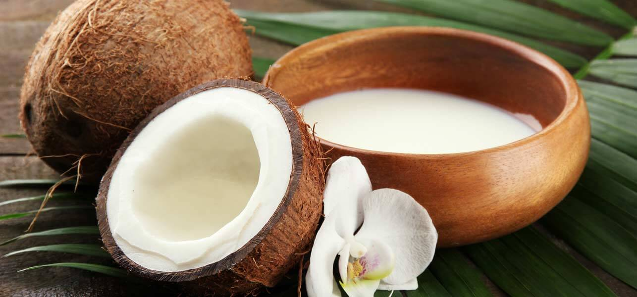 How to Have Straight, Shiny Hair With Coconut Milk