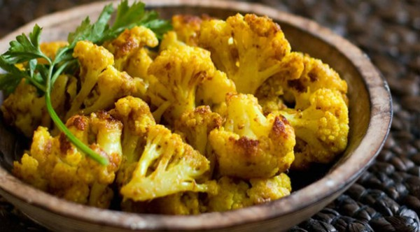 roast-cauliflower-with-turmeric-to-create-a-powerful-anti-inflammatory-anti-cancer-snack