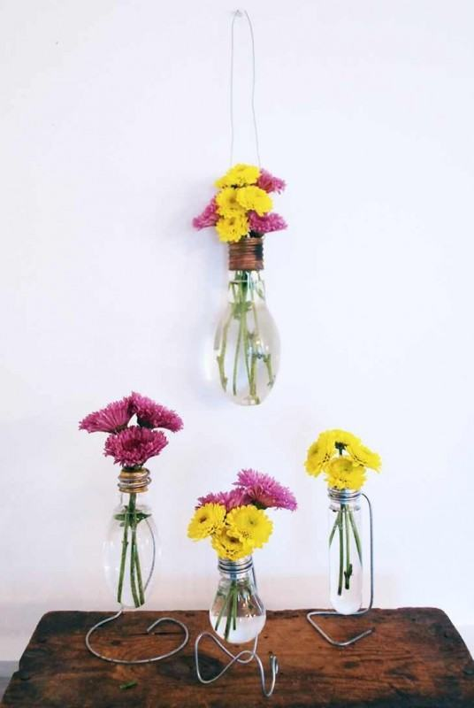 DIY-Lightbulb-Vase
